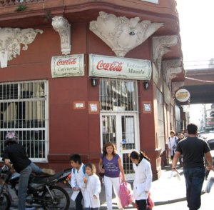 El Restaurant Manolo sigue siendo una institución fija del barrio