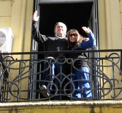 Martiniano Arce y Susana Lisotti en su balcón