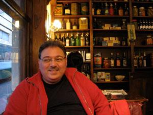 Leonardo Busquet, Coordinador Cultural de los cuatro bares notables